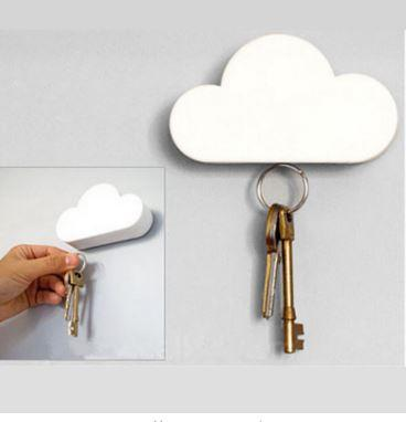 Fashion Creative Key Holder Cloud-shaped Magnetic Keychain Cloud Key Holder Novelty Llavero gift EE