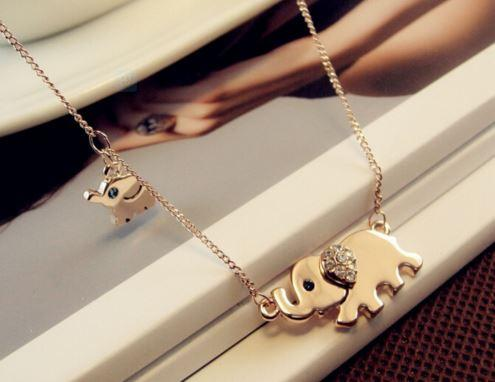 Cute Elephant Family Stroll Design Fashion Women Charming Crystal Chain Necklace