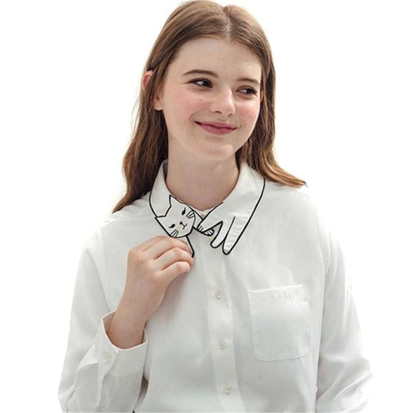 Cute Cat Embroidery Collar Blusa