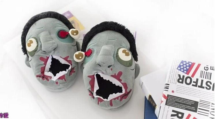 1Pair Plush Zombie Slippers / Ravenous Zombie Warm Slippers Funny  Home Shoes  Cartoon Slippers