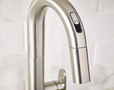 American Standard Beale Pull Down Kitchen Faucet With Selectronic