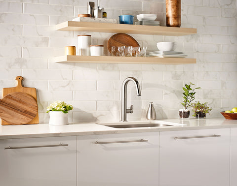 American Standard Beale Pull-Down Kitchen Faucet with Selectronic Hands-Free Technology, 4931.380 - Showroom Sinks