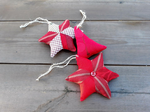 Modern Christmas ornaments from rare Marimekko fabric by NordicCrafter
