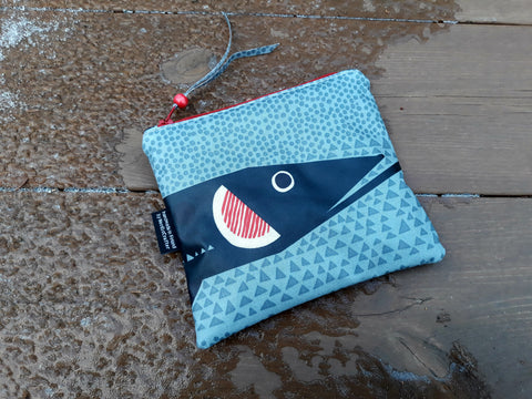 Waterproof zipper pouch from Marimekko oilcloth fabric Hauki by NordicCrafter