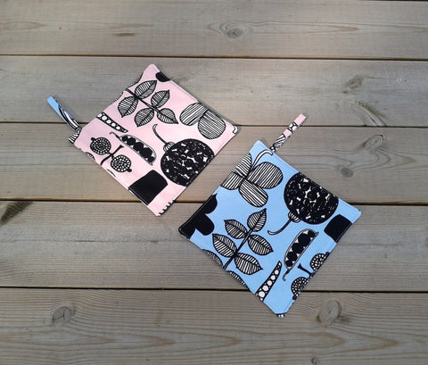 Blue and pink pot holders from Marimekko fabric Puutarharin Parhaat