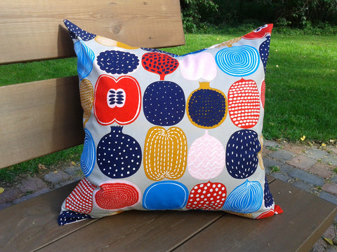 Handmade pillow cover from Marimekko fabric Kompotti by NordicCrafter