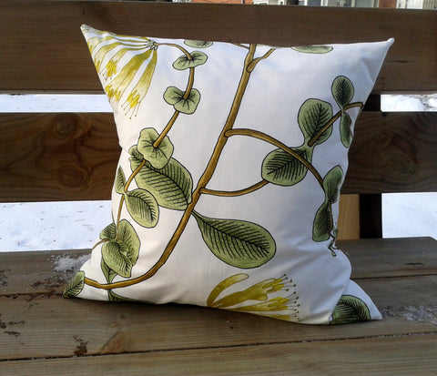 Pillow cover from Marimekko fabric Kuusama