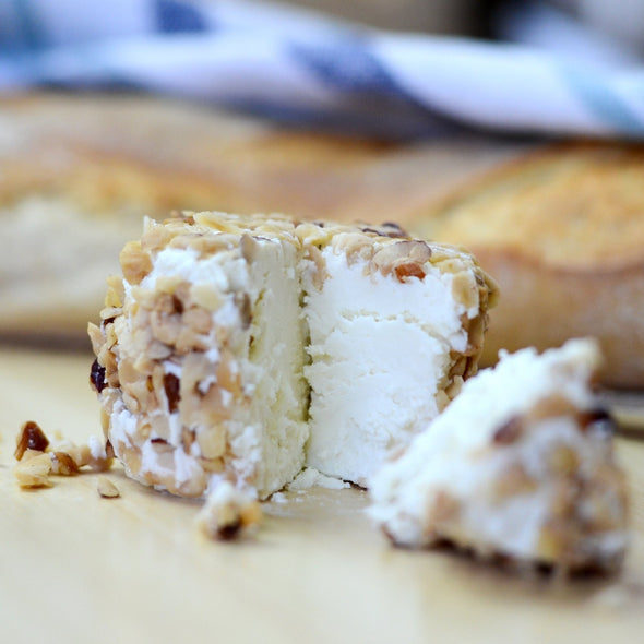 Fresh goat cheese coated with hazelnut - 80Gr