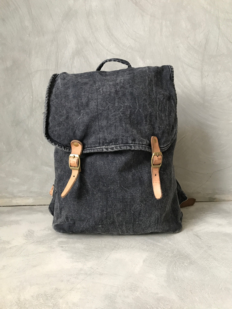 ANAK [young] - small stonewashed canvas backpack