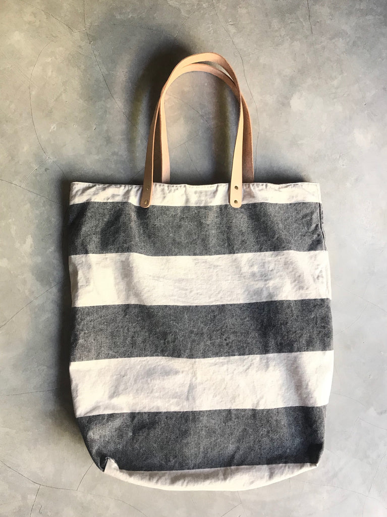 BESAR [big] - handprinted oversize canvas bag
