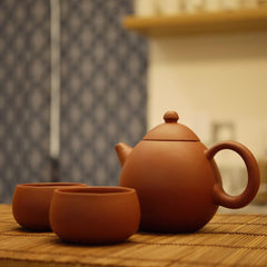Yixing teapot and cups