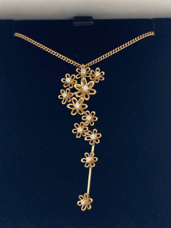 18ct rose gold flower diamond pendant