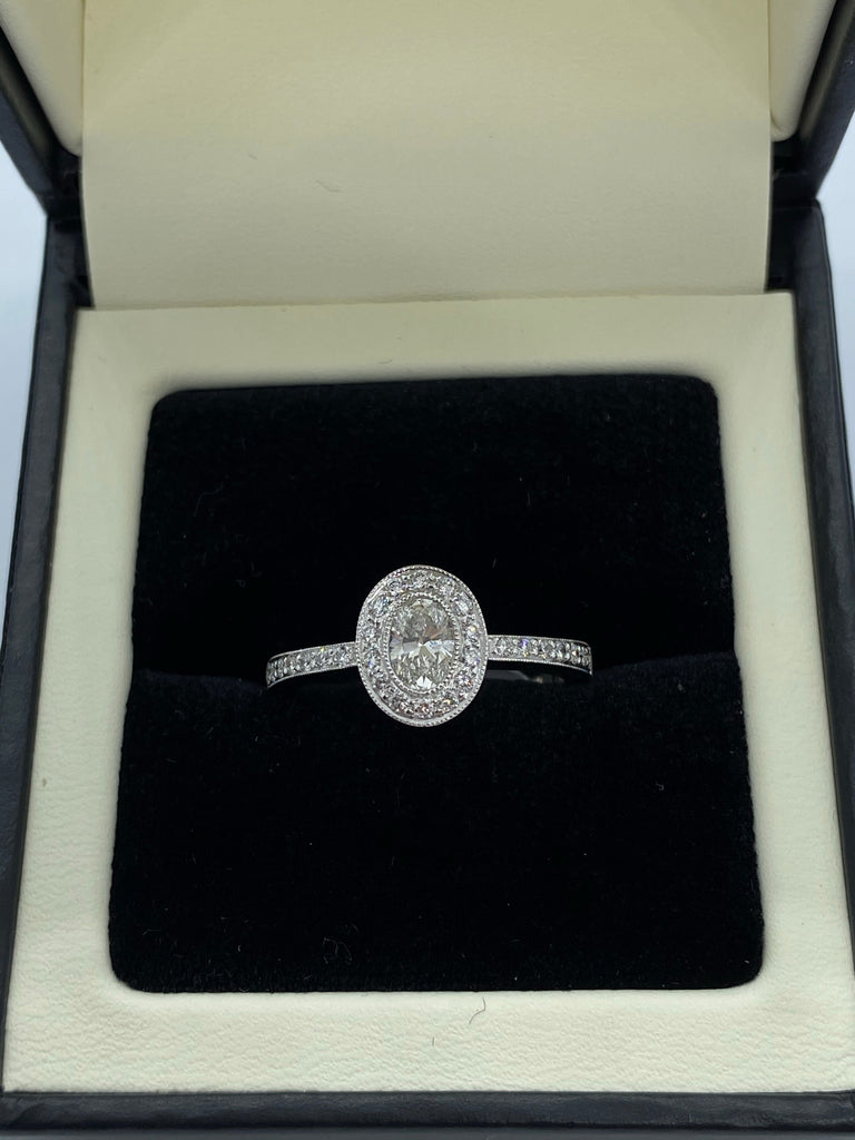 Oval cut diamond platinum ring