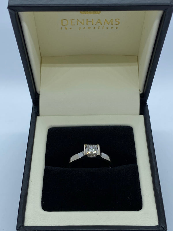 Single stone diamond princess cut ring 18ct white gold