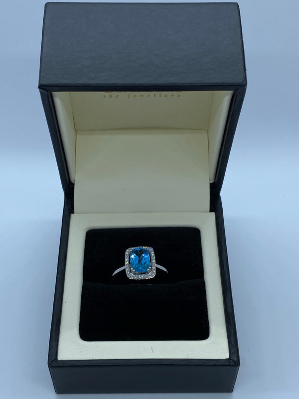 9ct white gold blue topaz cluster ring white gold