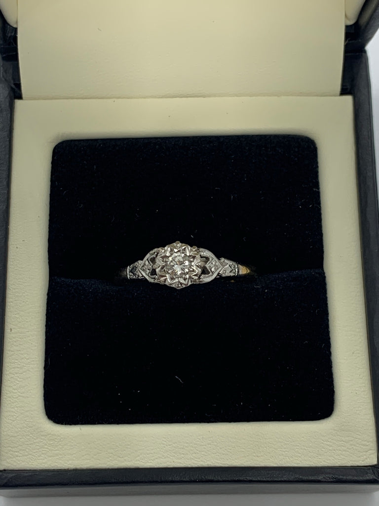 18ct and Platinum Diamond ring