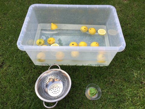 The-Creative-Toy-Shop-guest-blog-post-water-play-Squeezy-Lemons-Play-Teach-Love
