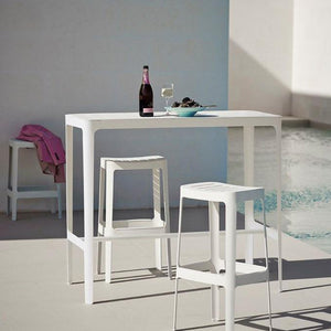 Cut bar table - Magnolia Lane
