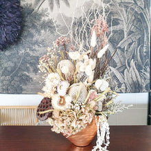 Load image into Gallery viewer, Thalaivi Dried Arrangement - Magnolia Lane