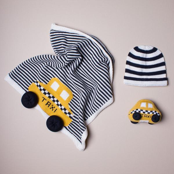 Organic Baby Gift Set with Taxi Security Blanket, Rattle & Hat.