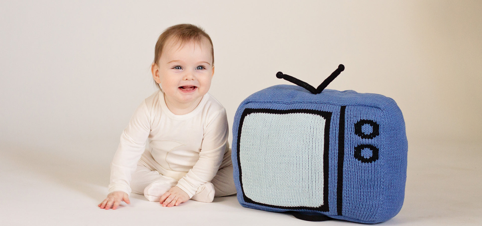 TV Decorative Pillow with Antenna