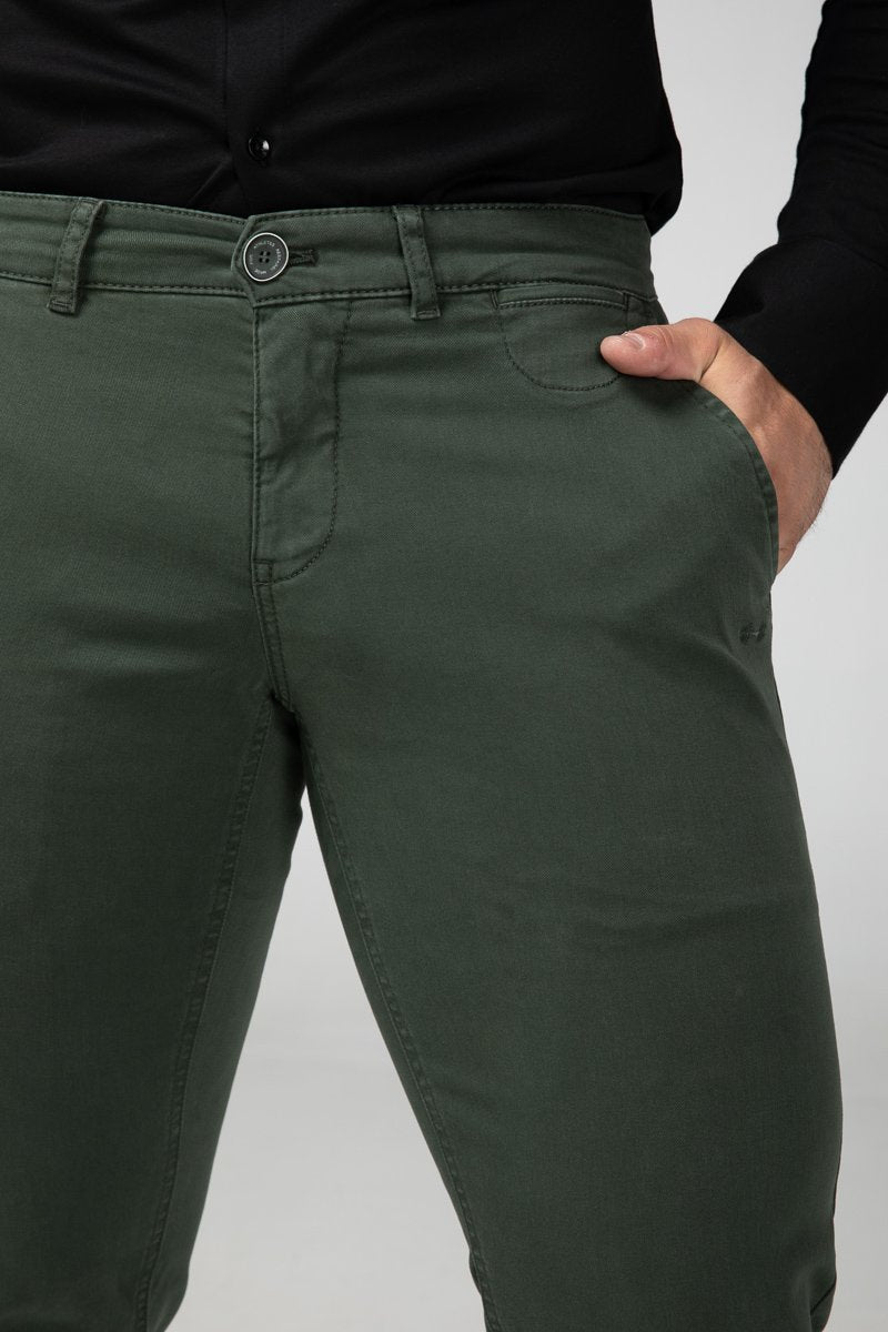 Chino Forest Green Front Detail