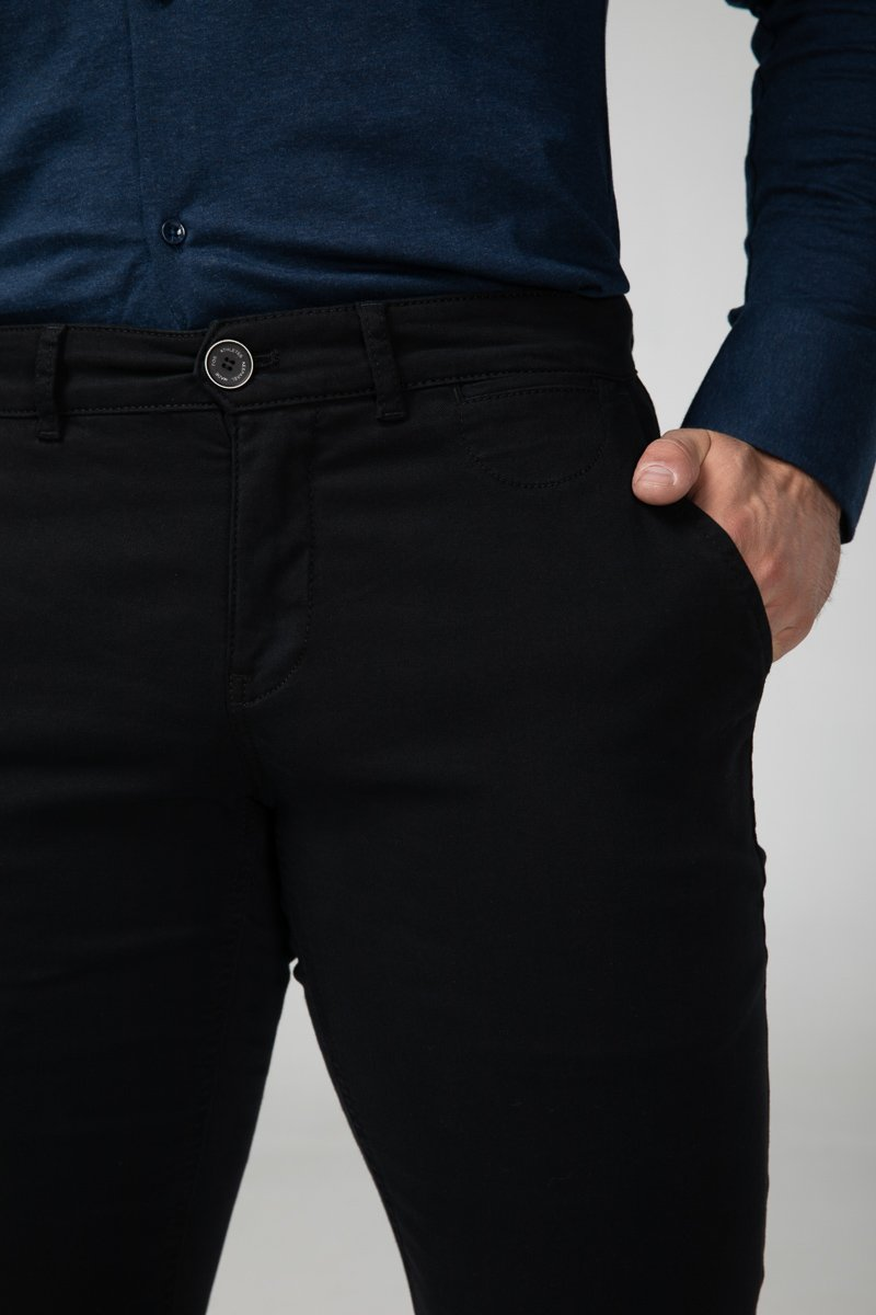 Chino Carbon Black Front Detail (2416565059665)