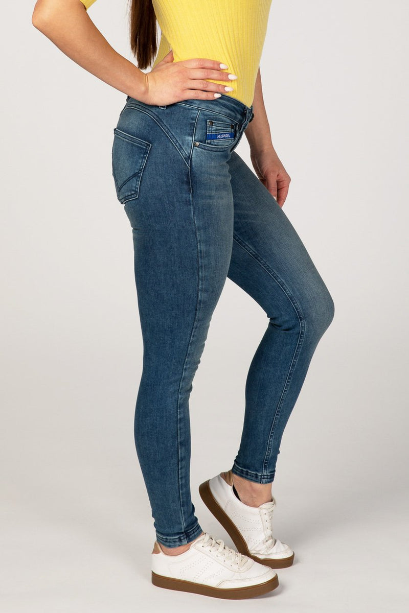 BODY FIT WOMEN'S JEANS - SANDY BLUE - Aesparel