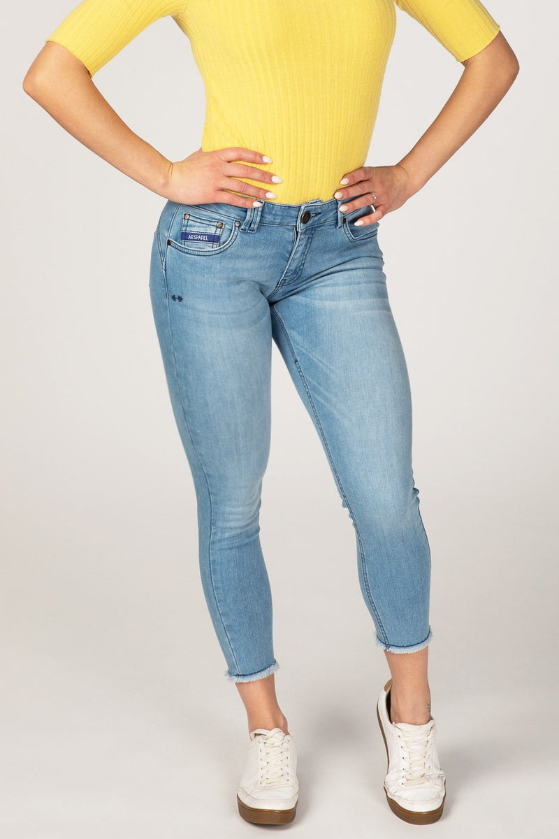 BODY FIT ANKLE FREE WOMEN'S JEANS - SUMMER BREEZE - Aesparel