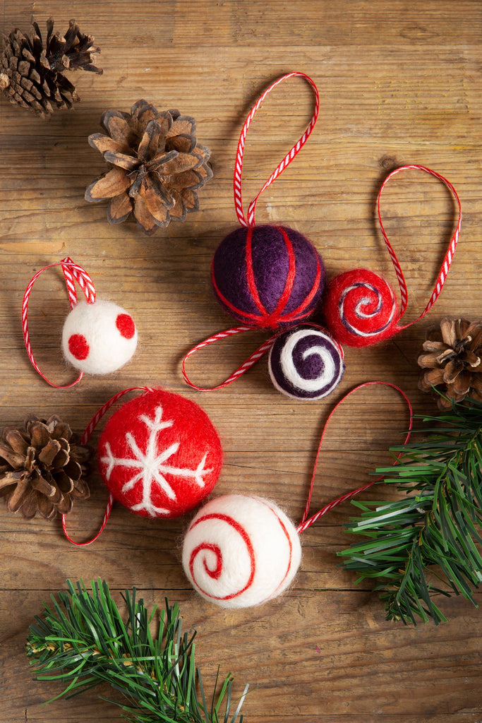 Christmas Baubles Needle Felting Kit - Red & Purple