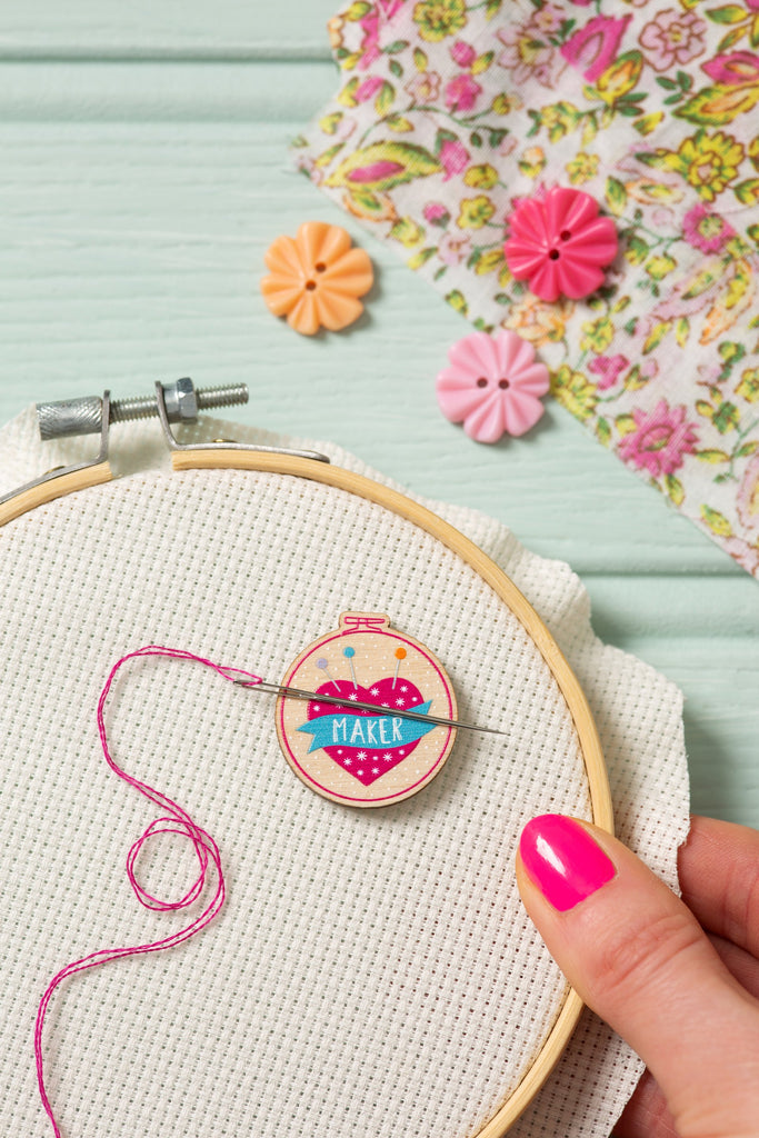 'Maker' Pincushion Magnetic Needle Minder
