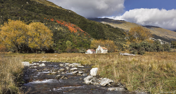 REES VALLEY RIVER HUTS