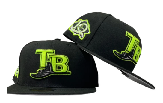 TAMPA BAY BLACK LIME LOGO 10TH SEASON 59FIFTY NEW ERA FITTED HAT
