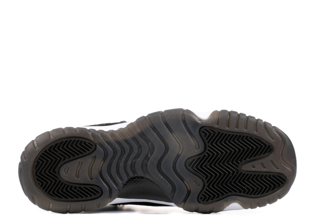 Air Jordan 11 Retro Heiress Black Stingray