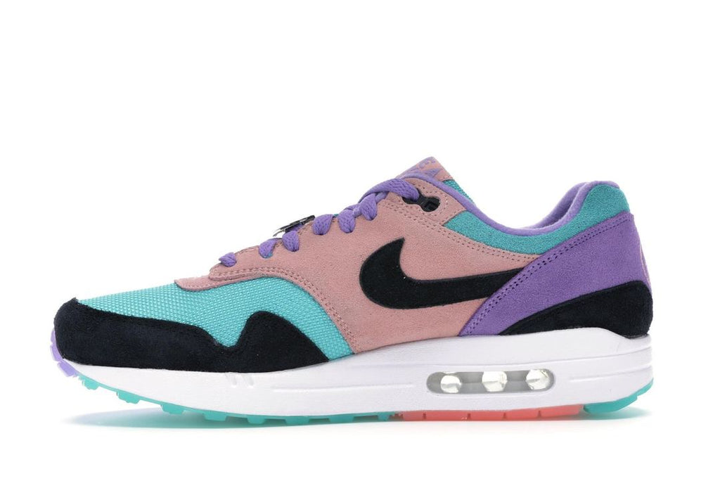 2nike air max 1 have a nike day