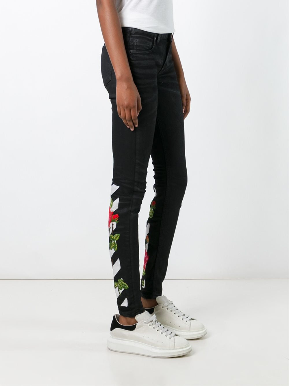 Rose Embroidered Jeans | OWCE006F16150146