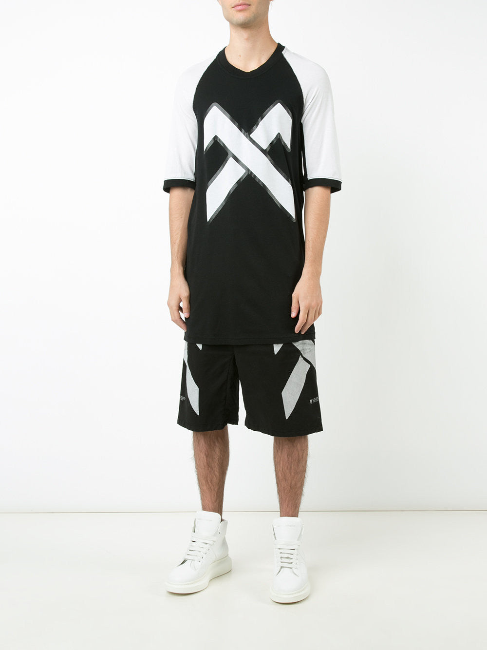 Elongated Graphic Tee | 246 TS4B 1101