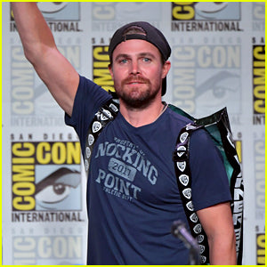 Just Jared Stephen Amell Comic-Con