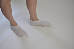 v neck sock - white