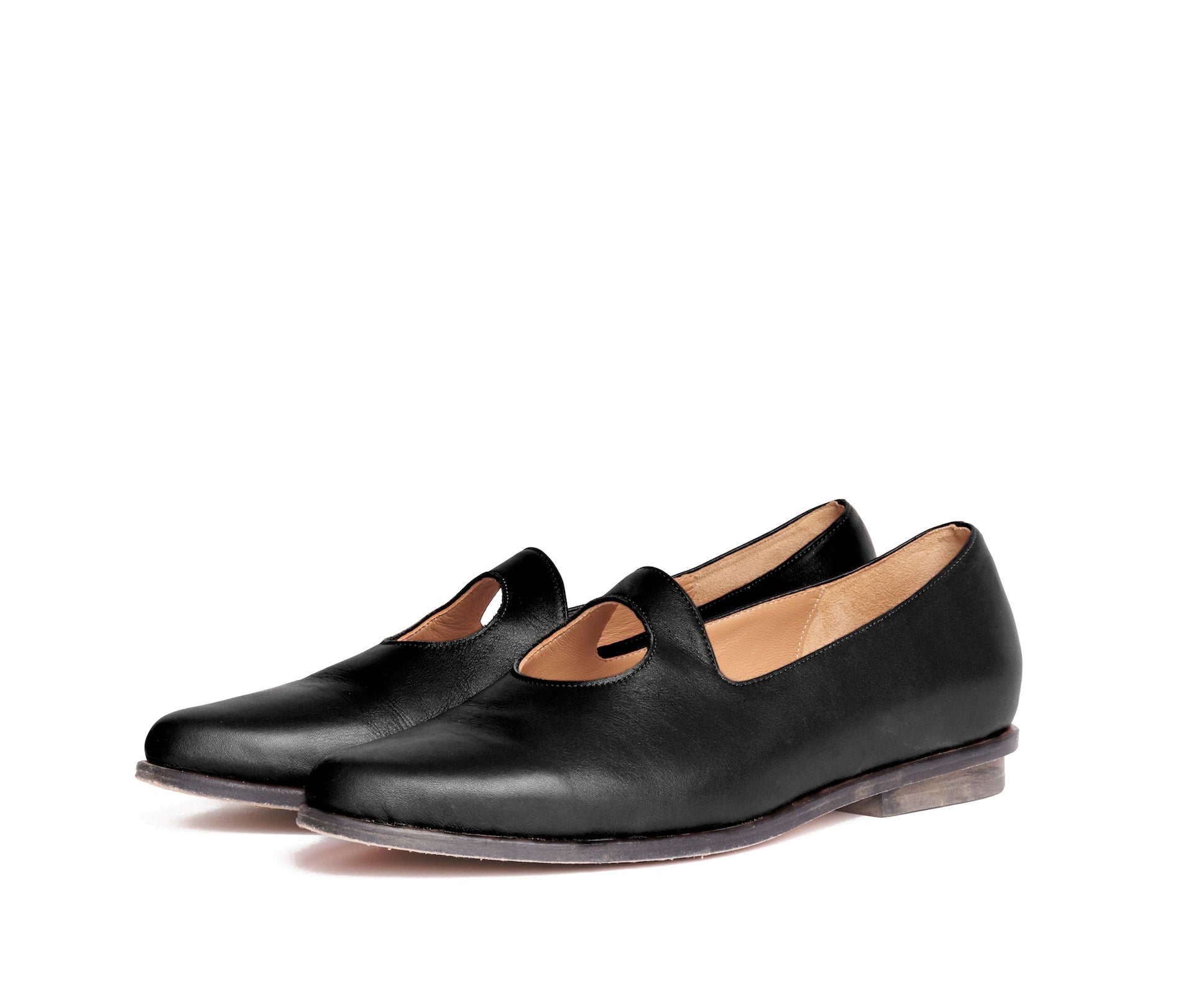 palla pointed toe, cut out loafer - black textured leather