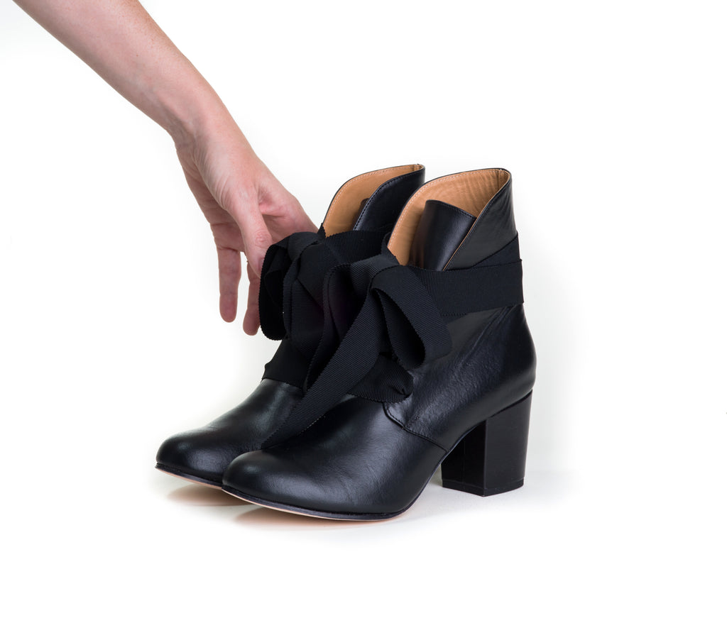 satago ribbon boot -  black nappa leather - SIZE 7.5