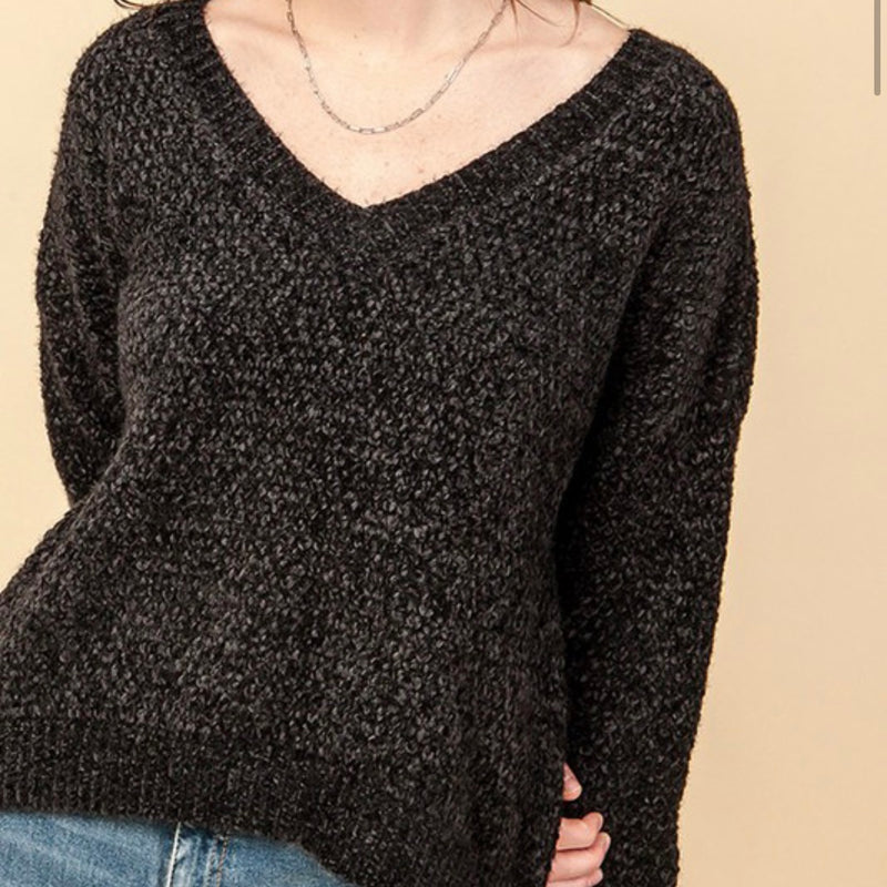 C&A V Neck Sweater-blk