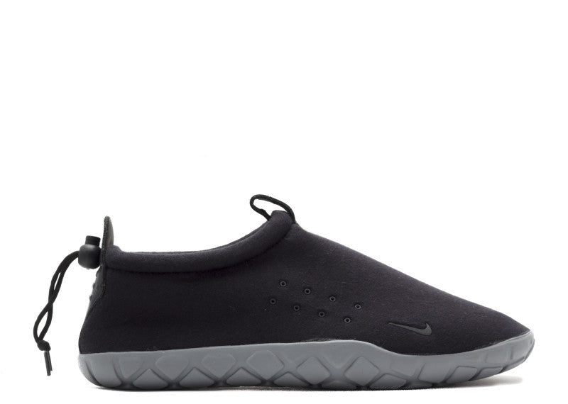 "Nike Air Moc Tech Fleece ""Black"", Sneakers, Nike - SNEAKER OVEN"