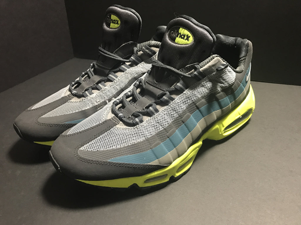 "Air Max 95 ""No Sew"", Consignment, Nike - SNEAKER OVEN"