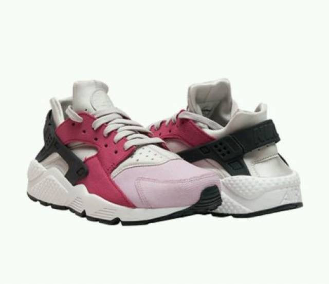 low priced ca55c 7fdbe Nike Air Huarache