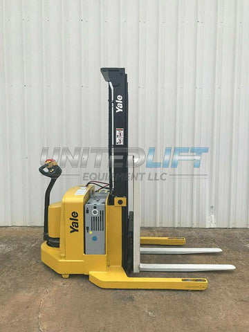 2005 YALE MSW040SEN24TV087 4000 LB ELECTRIC FORKLIFT WALKIE STACKER CUSHION 87/130 2 STAGE MAST SIDE SHIFTER 2852 HOURS STOCK # 5228-117915-ARB