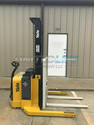 2008 YALE MSW040SEN24TV087 4000 LB ELECTRIC FORKLIFT WALKIE STACKER CUSHION 87/130 2 STAGE MAST SIDE SHIFTER 3318 HOURS STOCK # 5940-407134-ARB