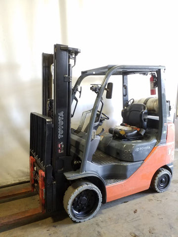 2015 TOYOTA 8FGCU25 3000 LB LP GAS FORKLIFT CUSHION 86/139 2 STAGE MAST SIDE SHIFTING FORK POSITIONER 3834 HOURS STOCK # BF9217939-NCB
