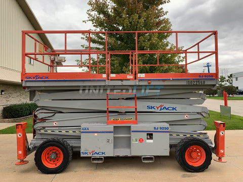 2012 SKYJACK SJ9250 SCISSOR LIFT 50' REACH DUAL FUEL PNEUMATIC TIRES 2272 HOURS STOCK # BF9247549-RIL - United Lift Used & New Forklift Telehandler Scissor Lift Boomlift