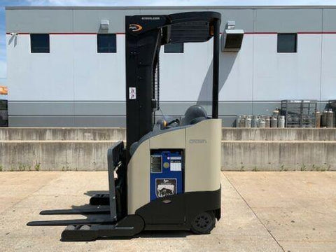 "2008 CROWN RR5210-40 4000 LB ELECTRIC REACH FORKLIFT 95/210"" 3 STAGE MAST SIDE SHIFTER 4176 HOURS STOCK # BF9253299-RIL - United Lift Used & New Forklift Telehandler Scissor Lift Boomlift"